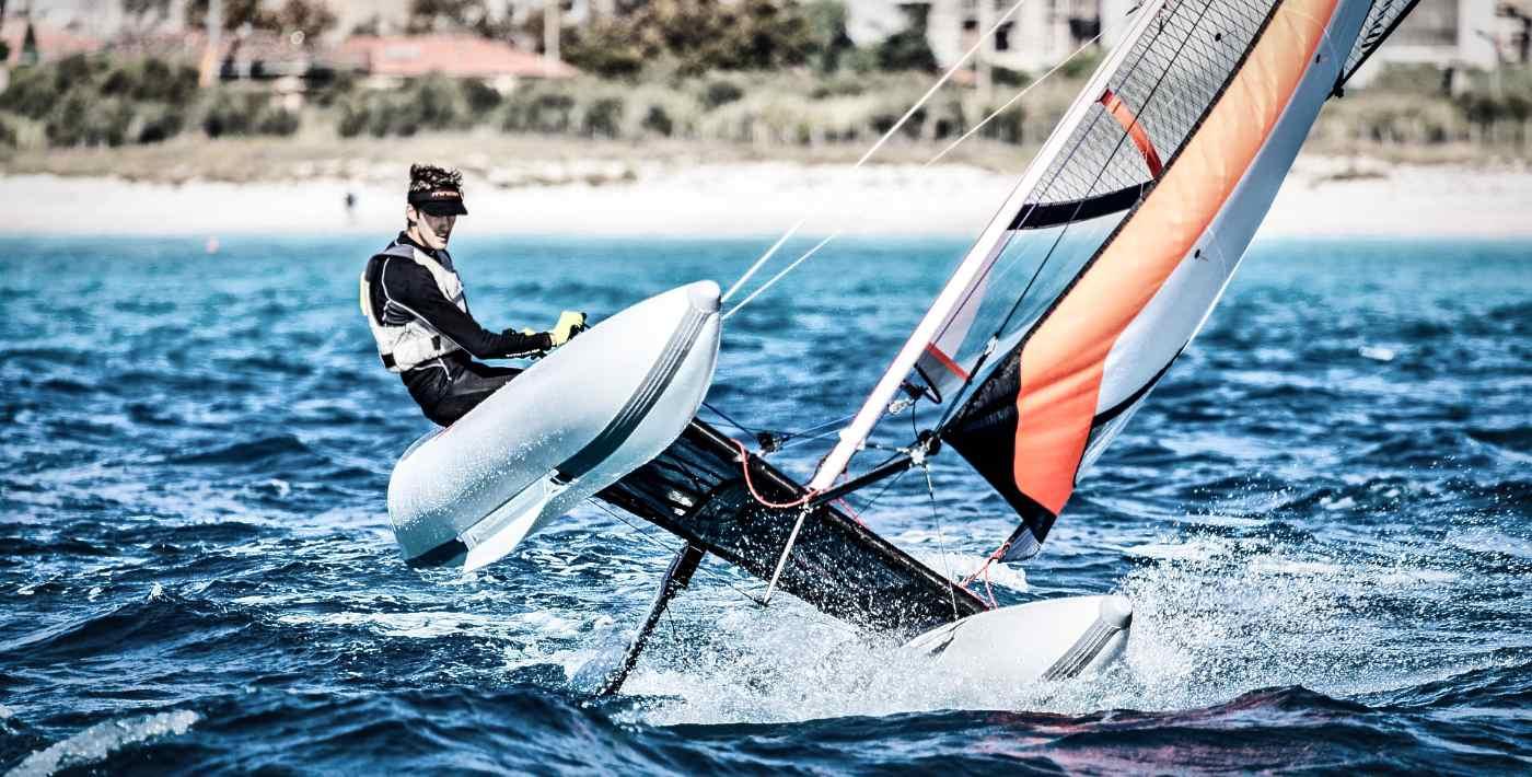 minicat ultraleicht catamaran segelboot aufblasbar rosignano
