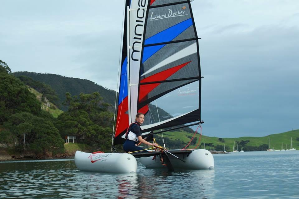 minicat 420 sonderedition laura dekker sailing