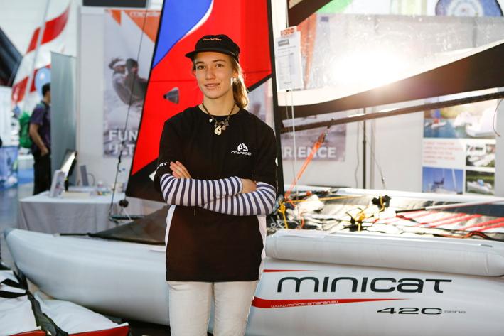 minicat laura dekker sailing